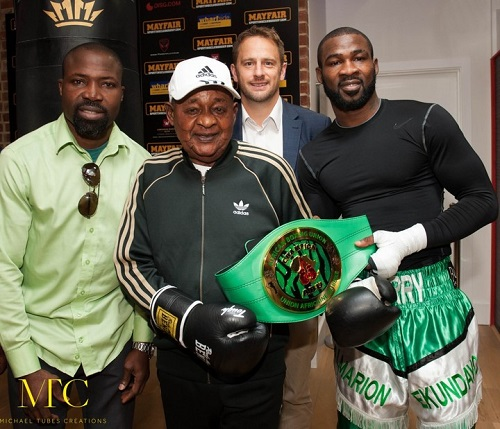 Kabiyesi No Wan Old Oo: See Alaafin Trains With Larry The Boxer In London