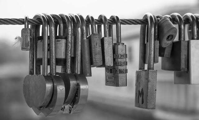 padlocks meaning