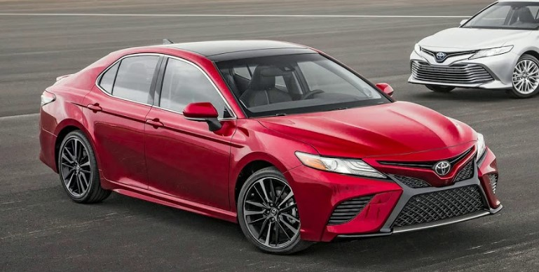 2019 Toyota Camry Expert Reviews, Specs and Photos
