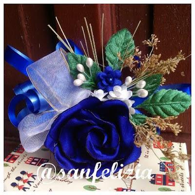 Jual bunga tangan atau aksesoris tangan untuk bridesmaid, gadis bunga, pagar ayu, pengapit pengantin atau pengiring pengantin. Korsase bunga untuk hiasan dan aksesoris bridesmaid. Terima jahit dan bikin juga.