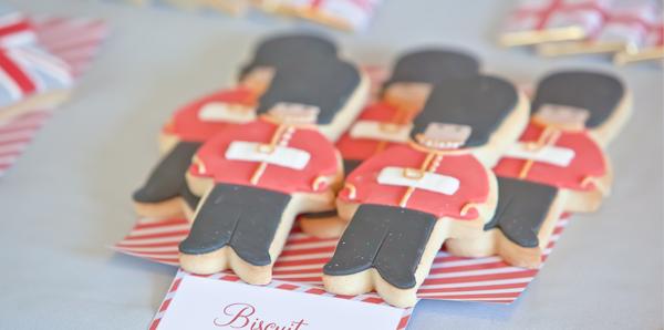 biscuit sable decores en soldat londonnien