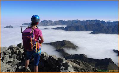 Cima del Midi d'Ossau con un mar de nubes
