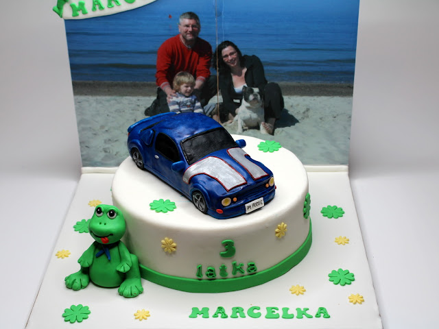 Birthday cake with 3D Ford Mustang - London