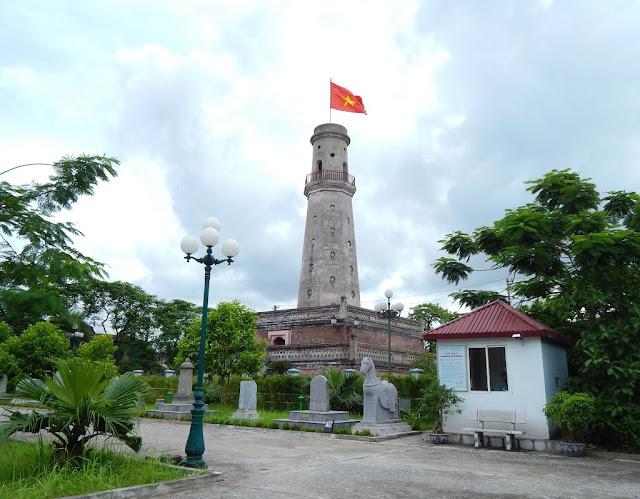 Cột cờ - Nam Định