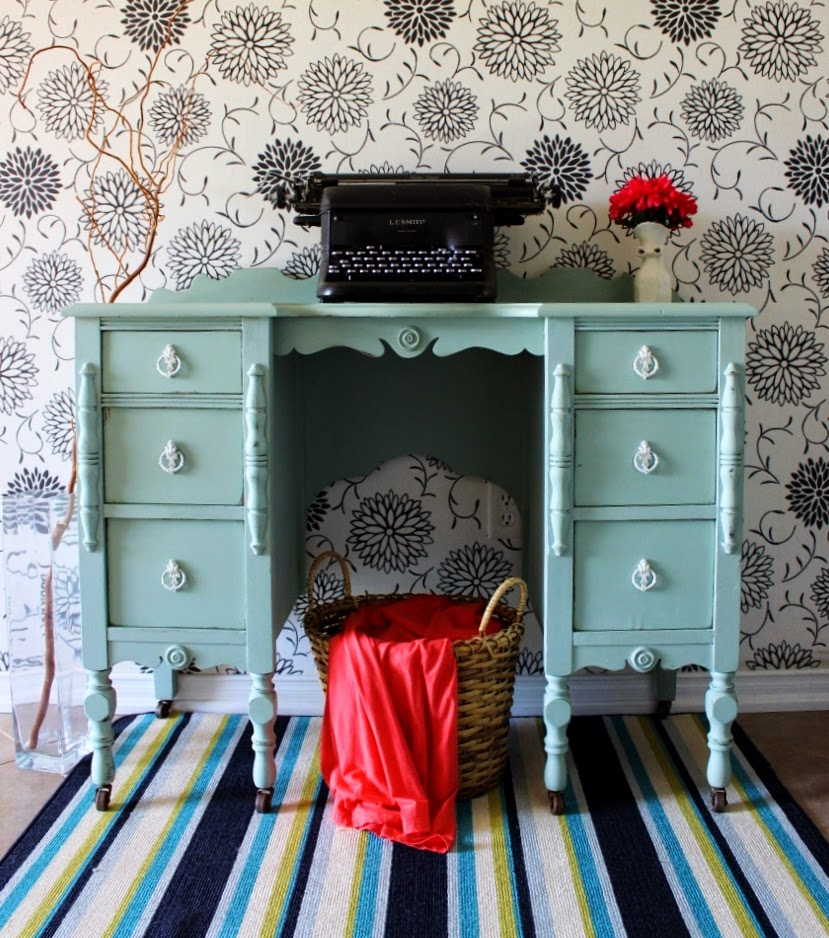 http://re-tiqued.blogspot.ca/2014/04/minty-antique-vanity-and-matching-bedset.html