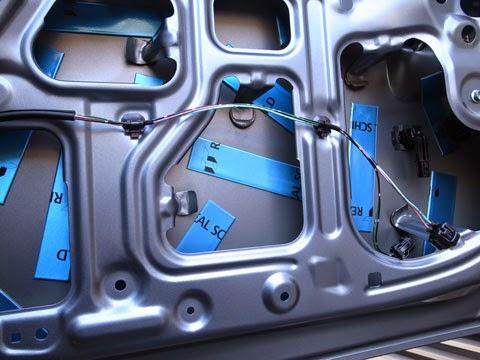 la100sムーヴカスタム バックドアのデッドニング。レアルシルト制振シートの適当な貼り方。スピーカーの付いているドアよりかなり多めに貼付けています。