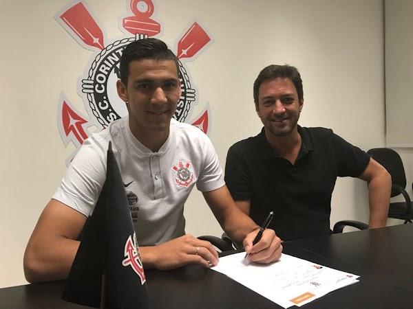 Oficial: El Corinthians renueva hasta 2021 a Balbuena