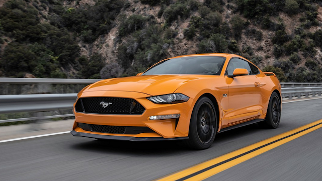 2018 FORD MUSTANG GT - Straight-line Star