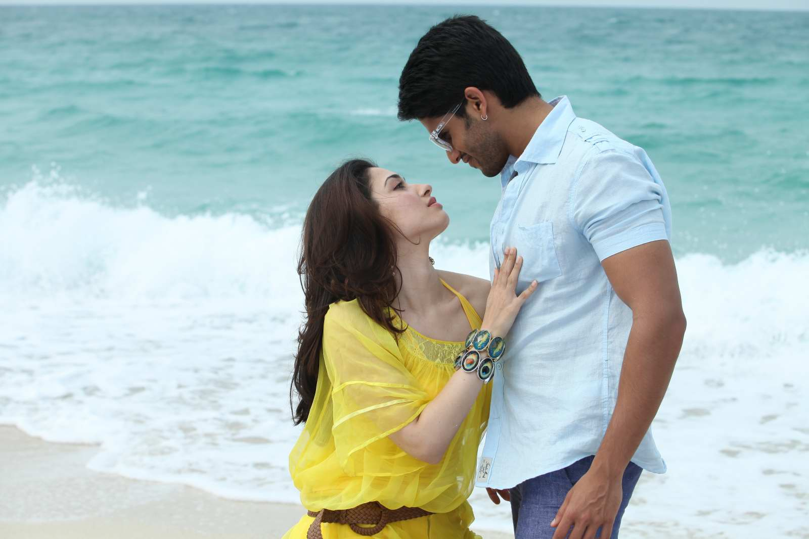 hot gorgeous tamannaah in Tadakha movie latest photos gallery