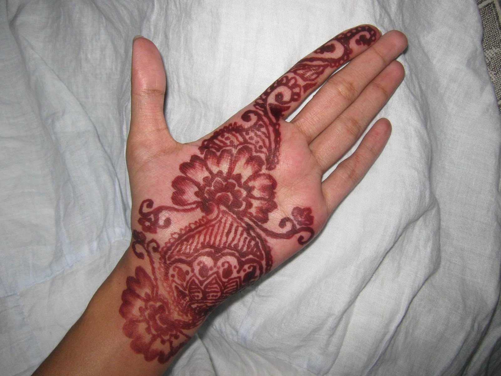 Henna Designs On Palm: Pages From My Diary: Henna Design: A Different Experience