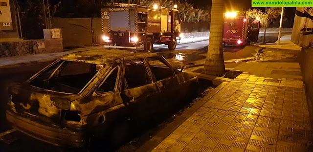Incendio ayer de un vehículo en Los Llanos de Aridane
