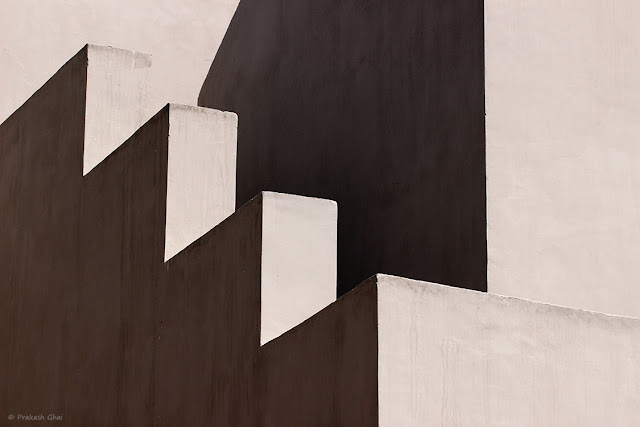 Minimal Architecture Photograph using Light, Shadow, Lines and Architecture as Core Elements.