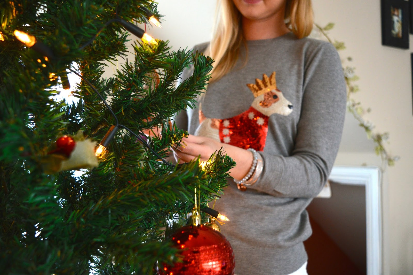 Matalan Christmas Jumper, how to wear a Christmas jumper, fashion bloggers, fashion blog, lifestyle bloggers, lifestyle blog, Christmas blog