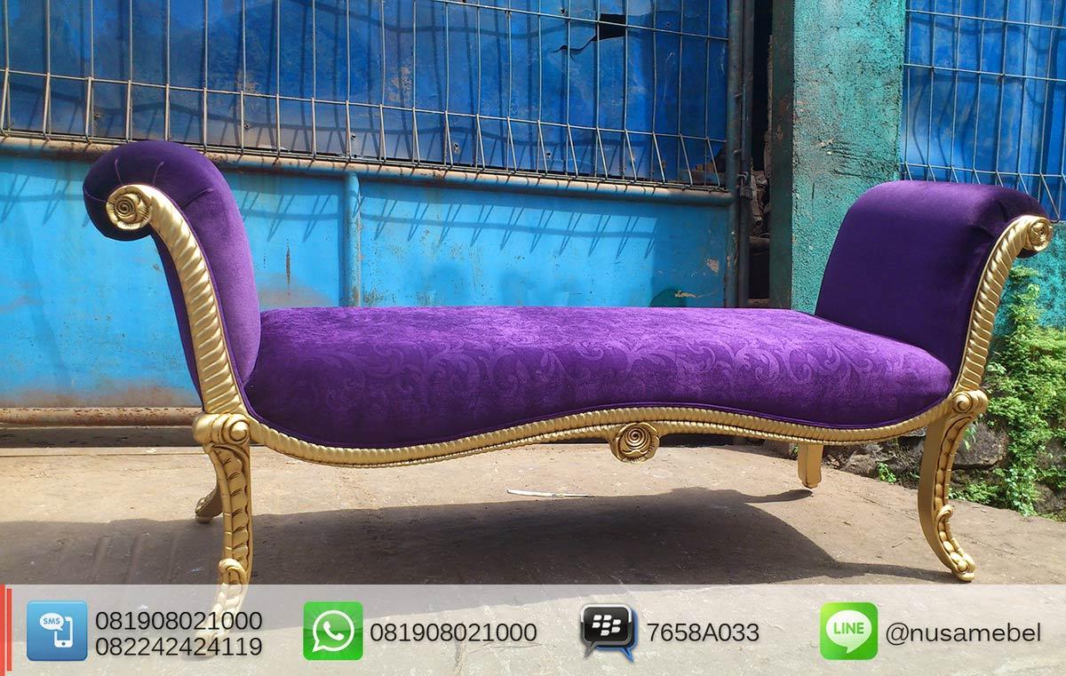 French Bedroom Bench in Gold Finish Garuda