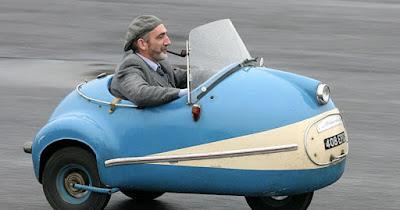 صور سيارات صغيرة مضحكة