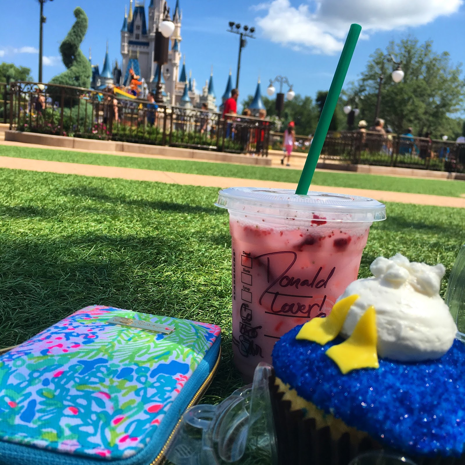 Lily Pulitzer Starbucks Dressing For Disney Weekend Wear Abouts Memorial Day