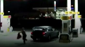 Así escapó una mujer secuestrada de la cajuela de un auto (VIDEO)