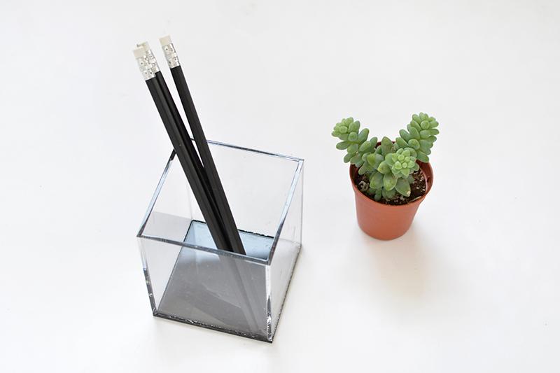 DIY acrylic terrarium @burkatron