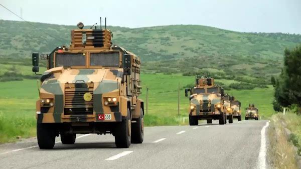 Η Άγκυρα εισβάλλει στην πόλη της Ιντλίμπ: Φάλαγγα από 50 τεθωρακισμένα οχήματα μπήκε στην πόλη (vid)