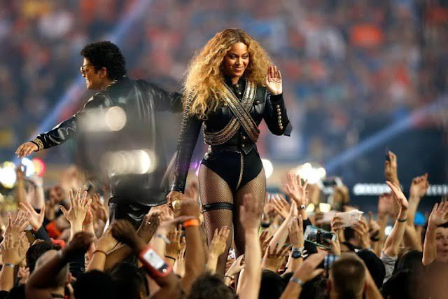 BET-2017-NOMINEES-beyonce-and-bruno-mars