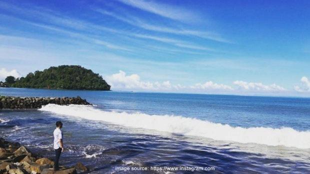 Pantai Padang (Taplau)