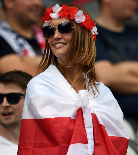 England Female Fans Euro 2016