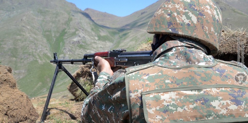 Ադրբեջանական կողմը պնդում է՝ Ղազախի ուղղությամբ  հայկական կողմի գնդակից վիրավորվել է զինծառայող