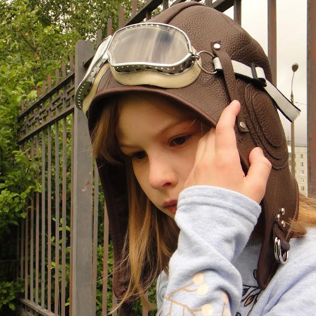 Шлем летчика - шлем шапка на подкладке. Размер и цвет кожи на выбор заказчика. Ручная работа, поставляется с очками