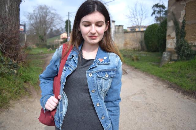 Pin's veste jeans robe moulante