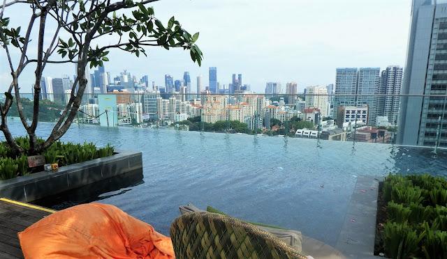 cool takbar i Singapore
