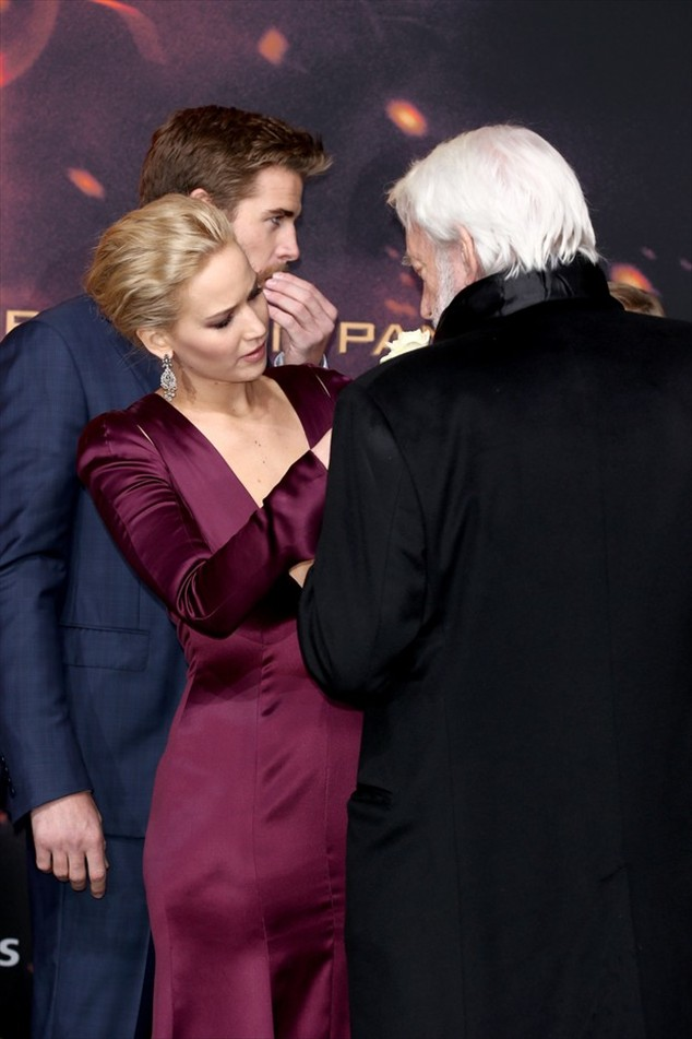 Jennifer Lawrence almost shows in preview of The Hunger Games: Mockingjay - Part 2 in Berlin