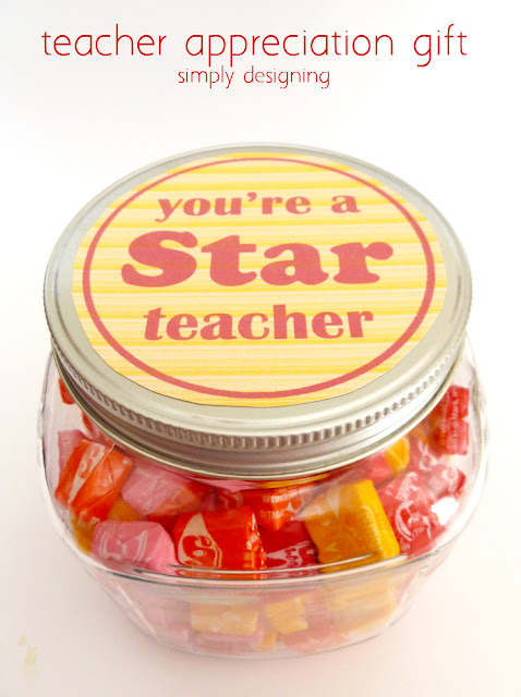 You're A STAR Teacher - free printable and gift idea!  #teacher #teacherappreciation #teachergift #gift #free