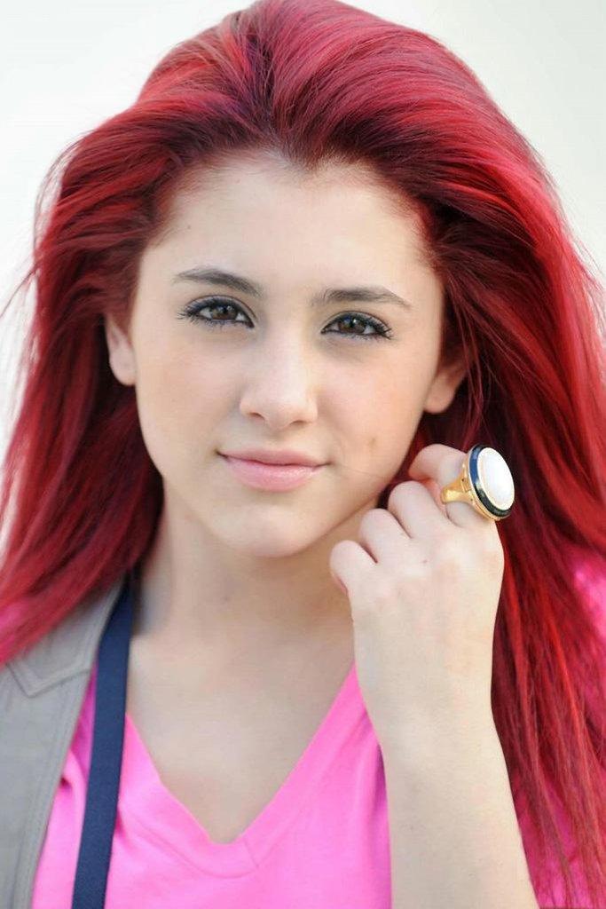 Whom ariana grande brown hair what