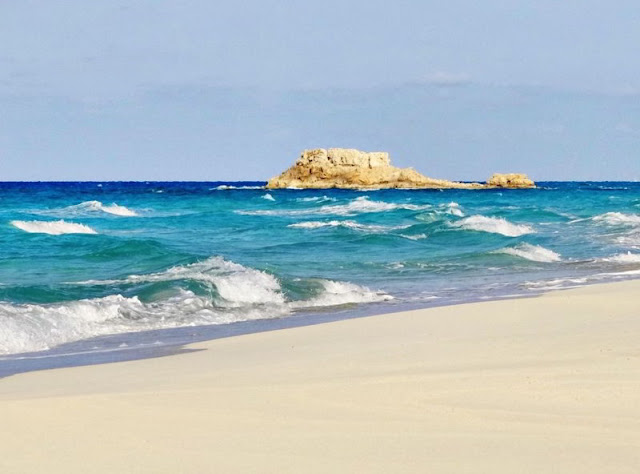 مرسى مطروح شاطئ عجيبة