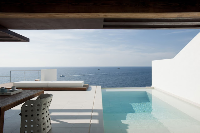 Cliff edge swimming pool on the terrace
