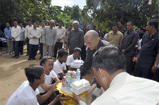 Visite royale à Prey Vèng