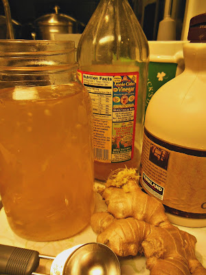 Apple cider vinegar, real maple syrup, minced ginger are the basic ingredients to make Switchel.