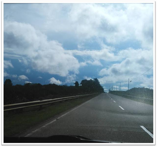 Indahnya Awan di Langit Biru