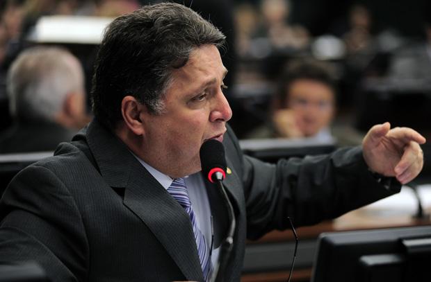 A fase ruim do ex-governador do Rio, Anthony Garotinho, parece estar só começando. Agora, é o seu diploma universitário que está sendo questionado