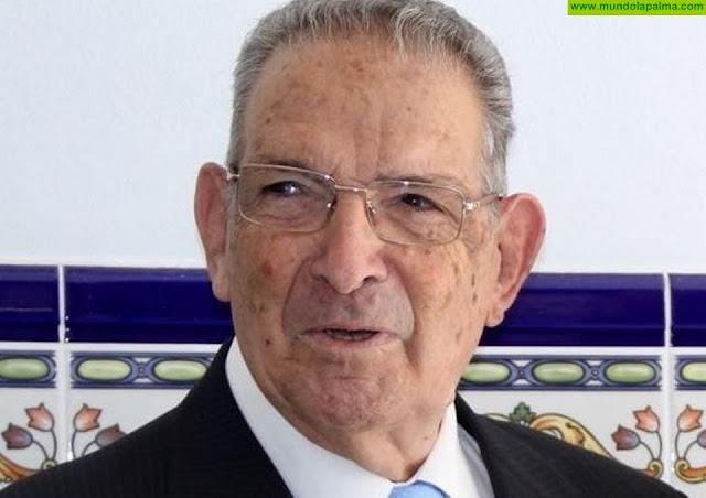 El Ayuntamiento de Los Llanos nombra al docente Raúl Zamora como hijo Adoptivo del municipio