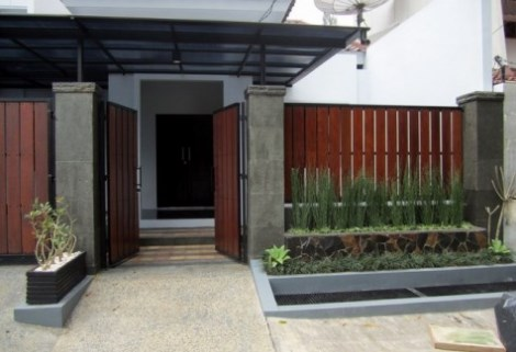 Pagar Rumah Minimalis dari bahan kayu