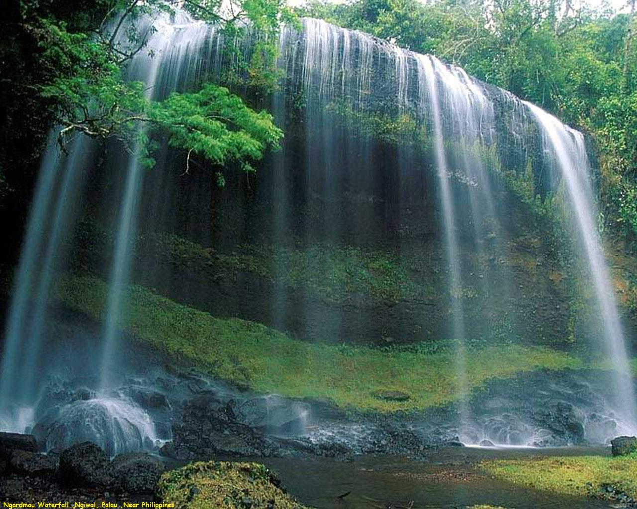 Ngardmau Waterfall ,Ngiwal, Palau