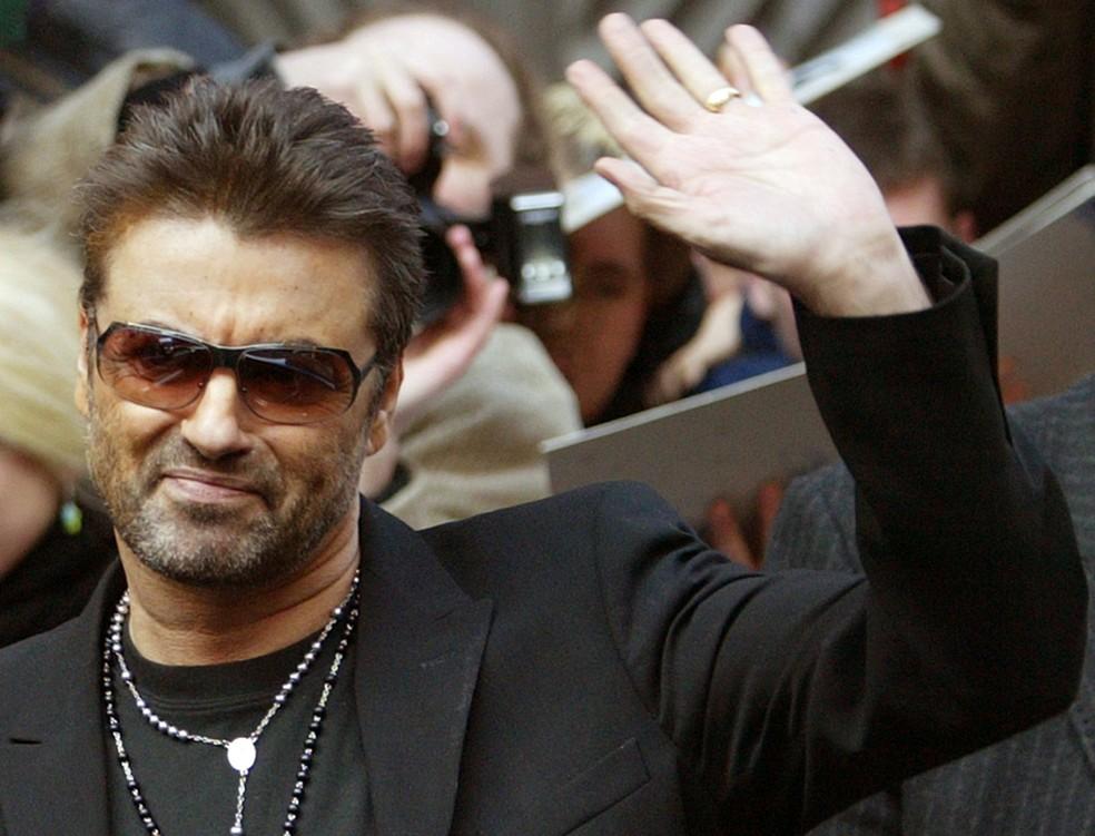 George Michael morreu de insuficiência cardíaca, dizem sites