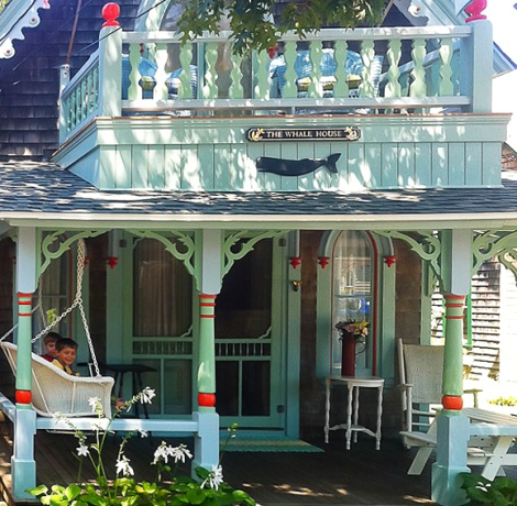 nautical cottage in Oak Bluff Martha's Vineyard