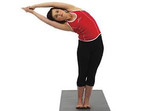 Tư thế Hot Yoga Bán Nguyệt