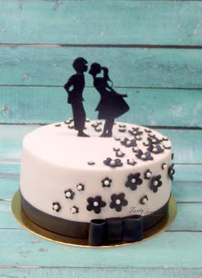 tort weselny czarno biały