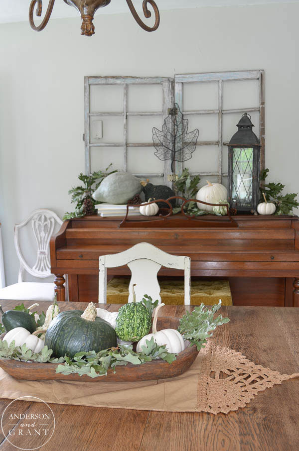 Learn how to decorate your dining room for fall using nature.  |  www.andersonandgrant.com