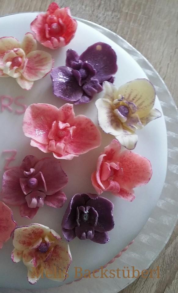 melis backst berl meine erste hochzeitstorte mit orchideen. Black Bedroom Furniture Sets. Home Design Ideas