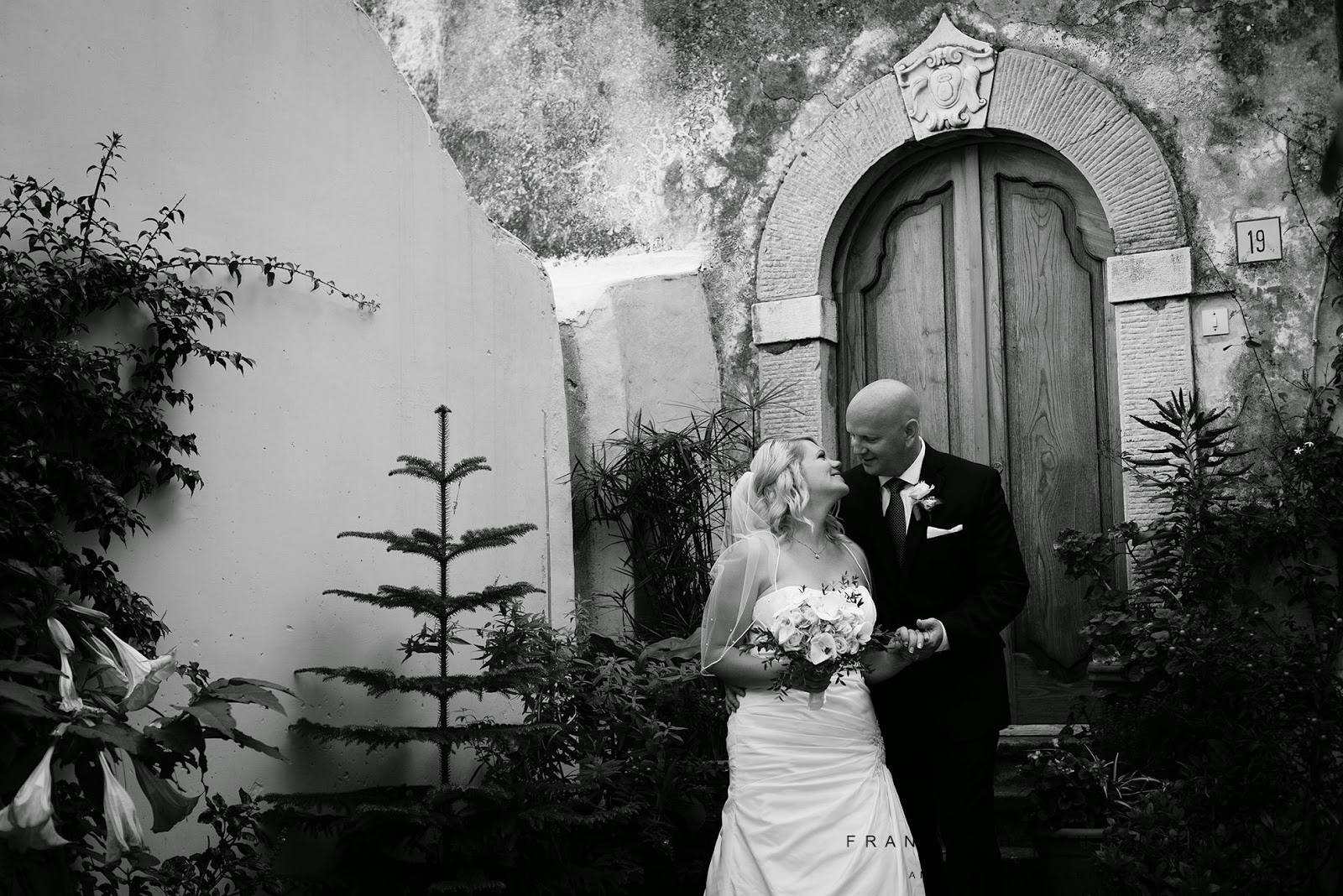 Romantic elopement wedding Positano