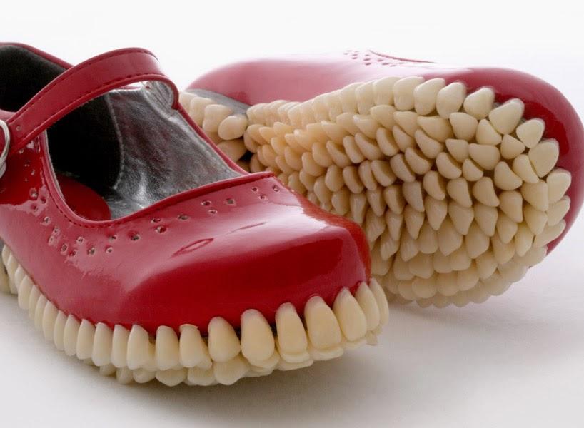 Zapatos con dientes y feroces